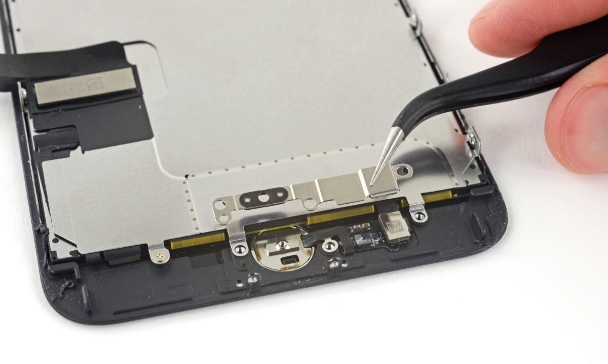 Сделано на совесть: как ремонтируют разбитые экраны iPhone 7